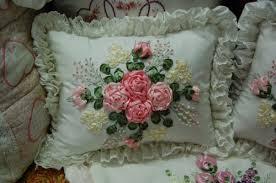 روبالشتی گلدار
